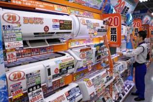 猛暑の影響でエアコンの販売が伸びた(東京都千代田区のヨドバシカメラマルチメディアAkiba)