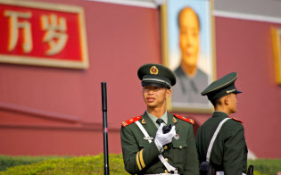 中国共産党は「五・四運動」から100年、天安門事件から30年の節目の今年、これに乗じて現状を批判する活動が広がるのを警戒している=ロイター