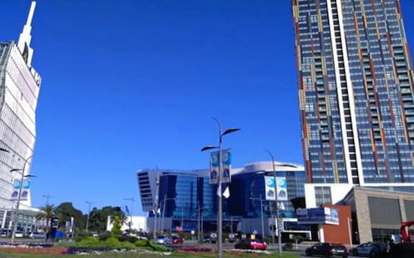 新興国向け投資を含めて、世界の市場が「適温相場」を迎えている(ジョージア・バトゥーミ中心部)
