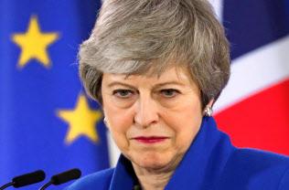 英保守党内でメイ首相への不満が高まっている=ロイター