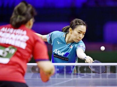 女子シングルス2回戦で勝利した石川佳純(23日、ブダペスト)=共同