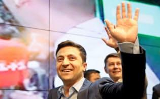 ウクライナ次期大統領選で当選を決めたゼレンスキー氏=ロイター