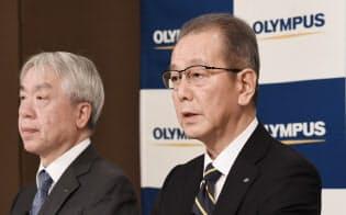 4月1日付で就任した竹内康雄社長兼CEO(右)はガバナンス強化に意欲を示している