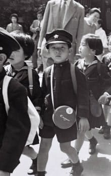 豊島園を訪れた幼少期の天皇陛下(1966年5月)