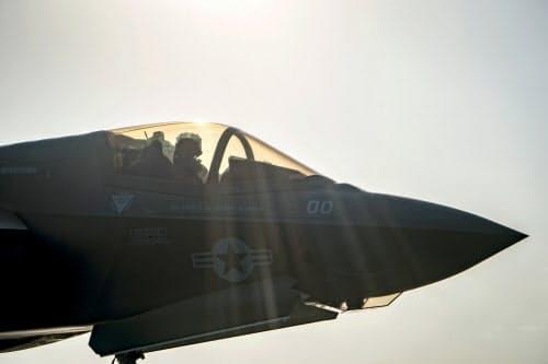 米海軍のパイロットらから正体不明の飛行物体の目撃談が相次いでいる=ロイター