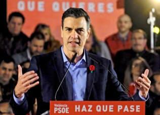 サンチェス首相が率いる社会労働党が第1党の勢いを見せている=ロイター