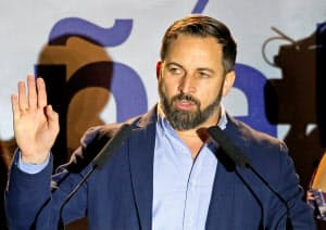 総選挙で24議席を獲得した極右政党ボックスのアバスカル党首(28日、マドリード)=ロイター