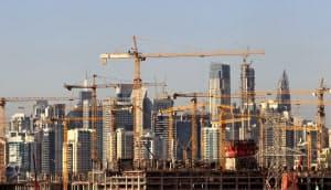 アラブ首長国連邦(UAE)のドバイでは不動産の供給過剰に拍車がかかっている=ロイター