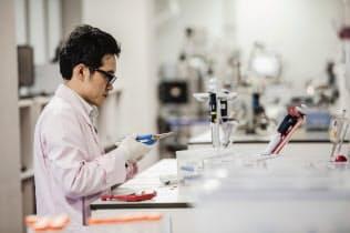 医薬品開発会社サムスンバイオエピスの研究開発風景