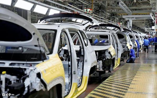GMは中国の販売台数が落ち込んだ(中国の完成車工場)=ロイター