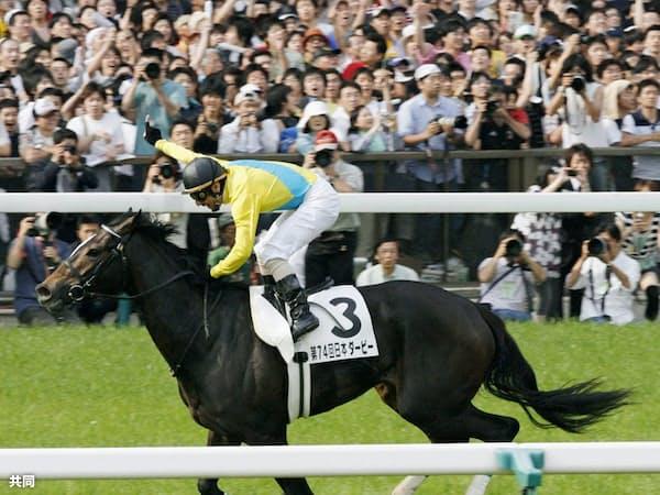 ウオッカは牝馬の時代の幕を開け、日本の競馬史を塗り替えた(優勝した07年の日本ダービー)=共同