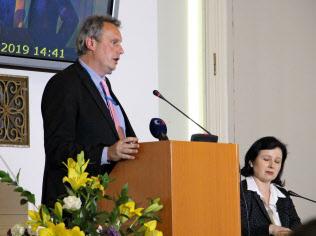 5Gの安全性に関する国際会議は議長声明「プラハ提案」を発表して閉幕した(3日、プラハ)