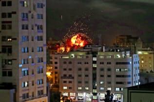イスラエル軍はパレスチナ自治区ガザを空爆した(4日)=ロイター