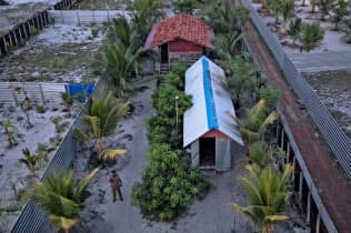 スリランカ警察は5日、東部カッタンクディでテロ実行犯らの拠点を発見した=ロイター