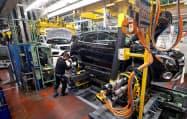 欧州では製造業が力強さを欠く(独南西部にあるメルセデス・ベンツの工場)=ロイター
