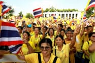 国王の戴冠式を終えたタイは、再び政治の動きが活発になる(6日、バンコク)=ロイター