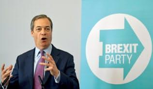 ブレグジット党のファラージ党首は23日に予定される欧州議会選挙、その後の次期総選挙の双方での躍進を目指す=ロイター