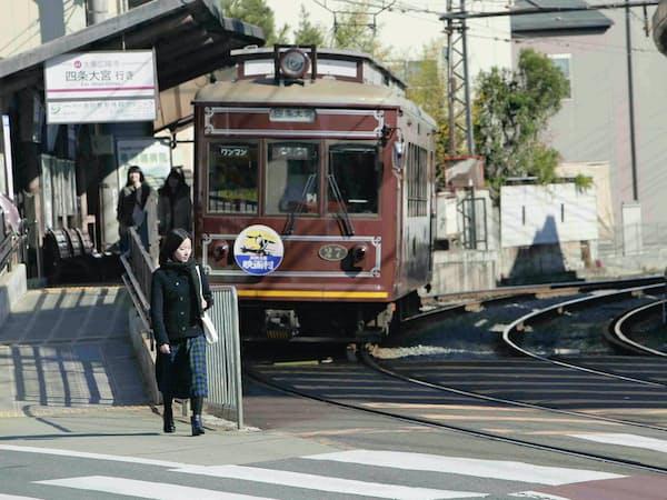 鈴木卓爾監督「嵐電」より。ほぼ全シーンで電車の存在が感じられる。((C)Migrant Birds/Omuro/Kyoto University of Art and Design)