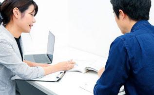 専属講師は受講者と週1回面談して学習スケジュールなどを管理する