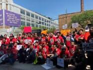 米ライドシェア最大手ウーバーのIPOを控え、ニューヨーク市のドライバーたちが待遇改善などを求め抗議集会を開いた