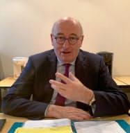 ホーガン欧州委員は農産品市場を保護する考えを強調した(10日、東京・港)