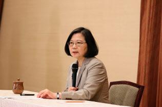 台湾の蔡英文総統(4月、台北市内の総統府)