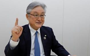 日立の東原社長は「トップとして市場にもっとアピールしないといけない」と語る。