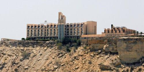 襲撃された高級ホテル「パールコンチネンタルホテル」(2017年4月、パキスタン・グワダル)=ロイター