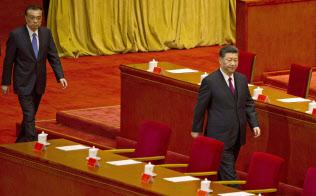 習近平氏を頂点とする中国共産党の権力構造に微妙な変化があるのか…(「五・四運動」を記念して4月30日に北京で開かれた式典)=AP
