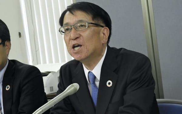 決算発表で記者会見する北洋銀の安田光春頭取(14日、札幌市内)