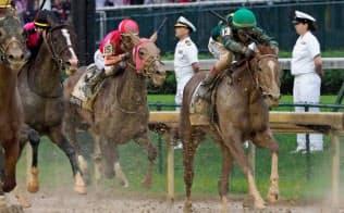 マスターフェンサー(右から2頭目)はケンタッキーダービーで日本調教馬史上最高の6着と健闘した=USA TODAY
