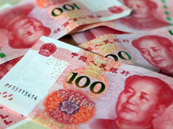 中国経済は、貿易戦争による輸出減少だけでなく、消費の伸びの減退、家計債務の急増といった不安要素も抱えている
