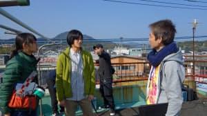 「のさりの島」の撮影風景。左端が助監督を務めた学生=京都造形芸術大学提供