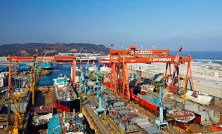 韓国は輸出の対中国依存度が大きい(韓国南東部・蔚山の造船所)