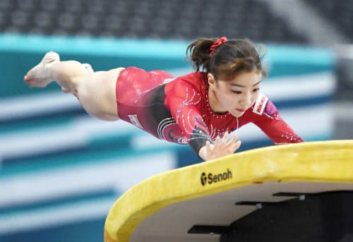 NHK杯で優勝した寺本の跳馬