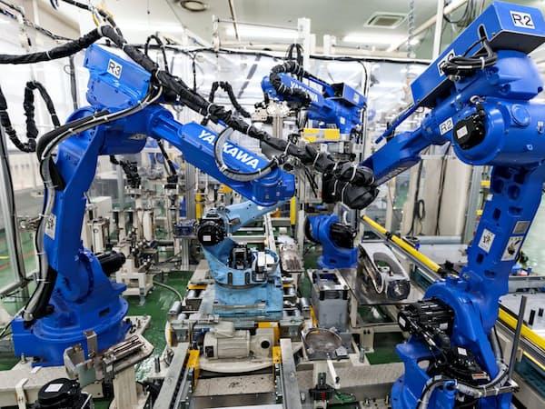 日本など先進国の景況悪化懸念が強まっている(北九州市のロボット工場)
