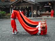 鳥取市の宇倍神社で行われる麒麟獅子舞