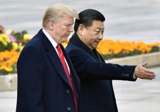 米中の首脳は市場の動きに敏感(2017年11月、北京)=共同