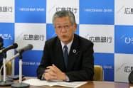 広島銀行の部谷俊雄頭取は「非金利収入の拡大を進める」と話した(13日、広島市)