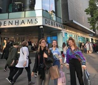 ロンドンの繁華街にあるデベナムズの店舗(4月)