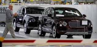 英国では自動車生産が落ち込んでいる=ロイター