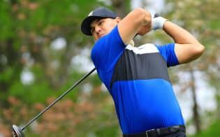 全米プロゴルフで4日間単独首位を守りきって優勝したケプカ=共同