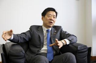 関西経済同友会の代表幹事に就いた深野弘行氏