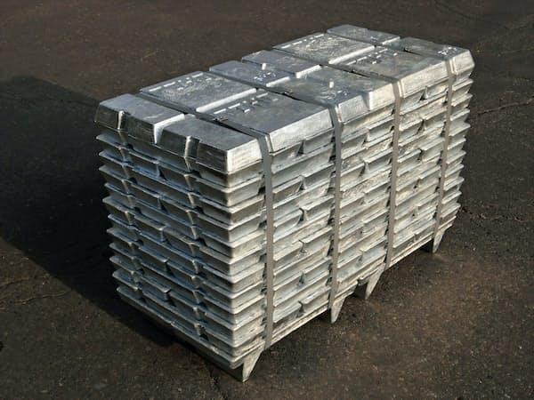 ロンドン金属取引所の亜鉛在庫はこの20年で最低水準に
