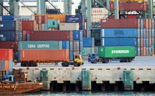 シンガポールは域内の国の中でも貿易摩擦の影響を大きく受ける=三村幸作撮影