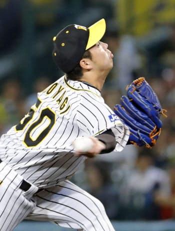 6回1失点で4勝目を挙げた阪神・青柳(21日、甲子園)=共同