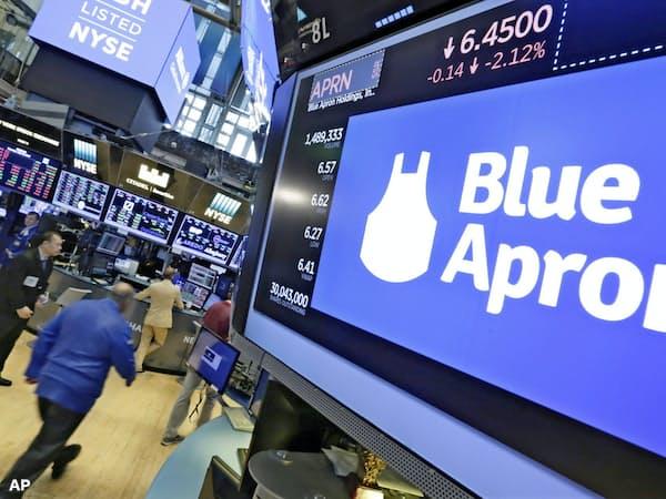 株式併合計画を発表したブルーエプロンのロゴ(ニューヨーク証券取引所)=AP