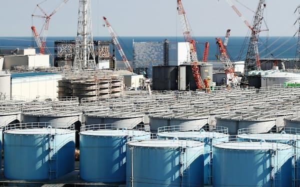 原発敷地内のタンクが増え続ければ、溶融燃料(デブリ)の取り出しなど廃炉の重要な作業に支障が出かねない(東京電力福島第1原発)