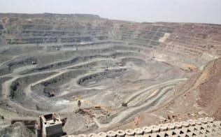 現在は鉱石だけでなく、磁石や電池など、レアアースを使った部品も中国で生産されている