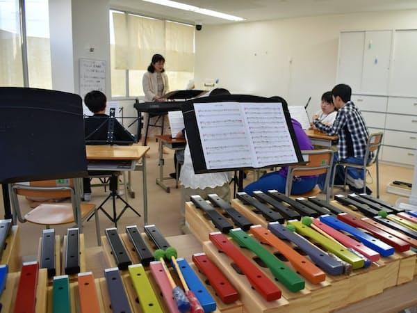 音符ごとに色を付けて分解できる特製木琴(山形市)